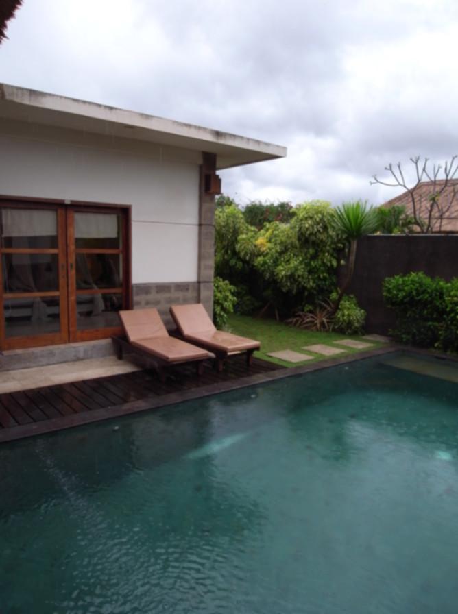 7 consigli di design per piscine di piccole dimensioni for Piscina en jardin de 100 metros