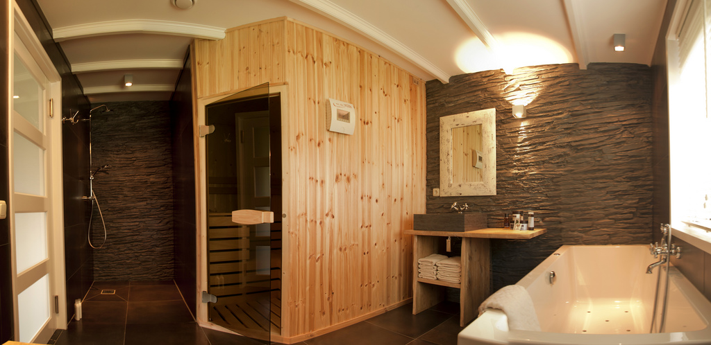 5 motivi per avere una sauna in casa for Costruire una sauna in casa