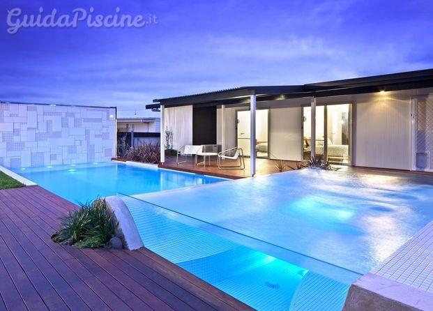 Immagini di piscine nel blu - Piscina busto arsizio ...