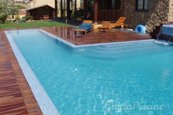 piscina i parquet da esterno