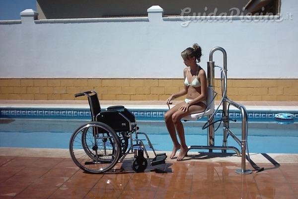 Elevatori idraulici per le piscine: libertà e sicurezza nei movimenti