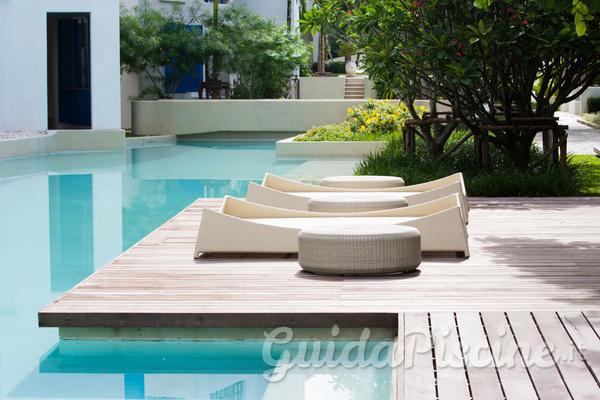 Mobili Da Esterno Per Piscina : Consigli per larredamento del tuo giardino con piscina