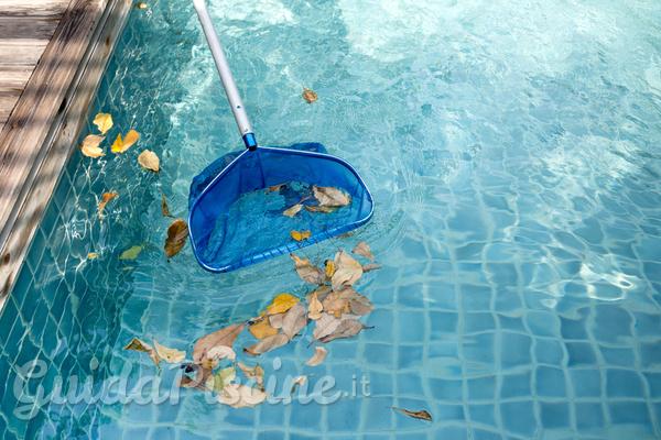 Come fare manutenzione a una piscina da in periodi fredde o nella stagione delle piogge