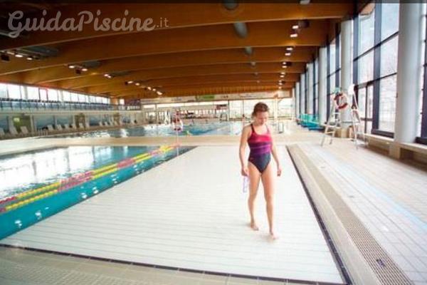 La polivalenza della piscina a fondo mobile