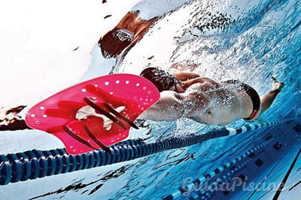 Accessori per allenarsi in piscina con pochi euro - Accessori per piscina ...