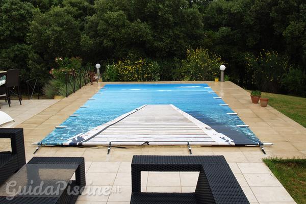 Coperture invernali per piscine di design for Piscine design concept