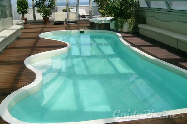 I vantaggi delle piscine in vetroresina tecnologia economica e versatile - Piscina vetroresina ...