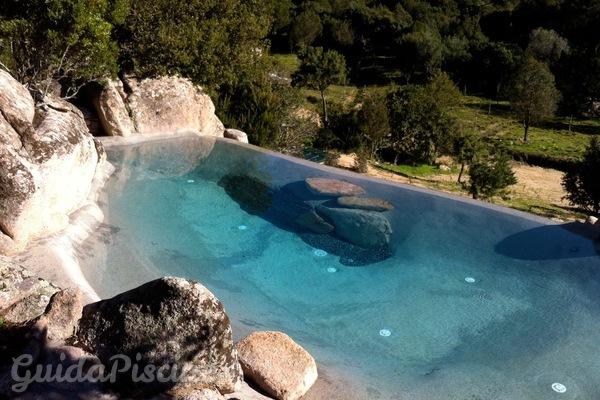 Piscine con acqua minerale per migliorare il trattamento for Acqua per piscine