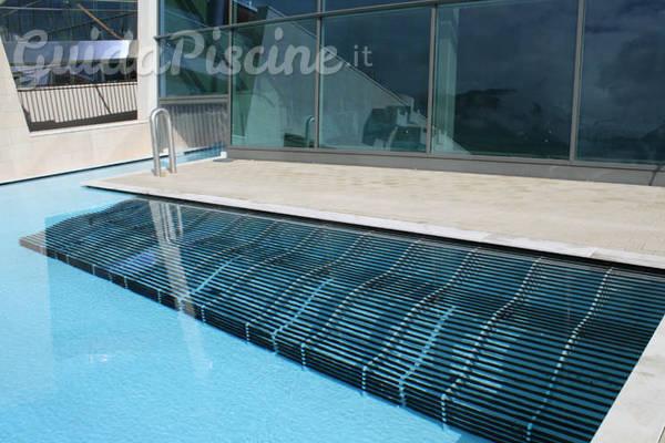 Airlounge i lettini idromassaggio sospesi - Lettini per piscine ...