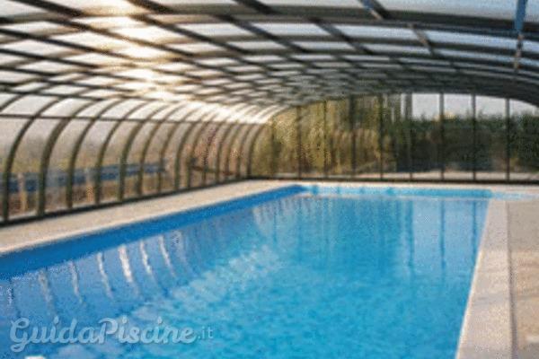 La disinfezione della piscina con cloro pu essere dannosa for Cloro nelle piscine
