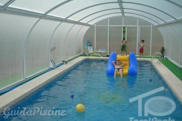 Caratteristiche delle piscine coperte for Piscina quart de poblet cubierta