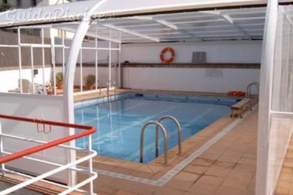 Norme igieniche nelle piscine coperte for Norme piscine