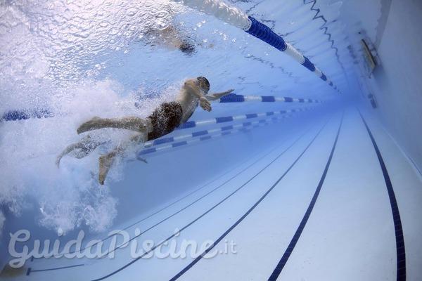 La sostituzione del rivestimento PVC della piscina