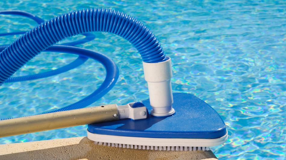Sai qual il pulitore pi adatto alla tua piscina - Costo manutenzione piscina ...
