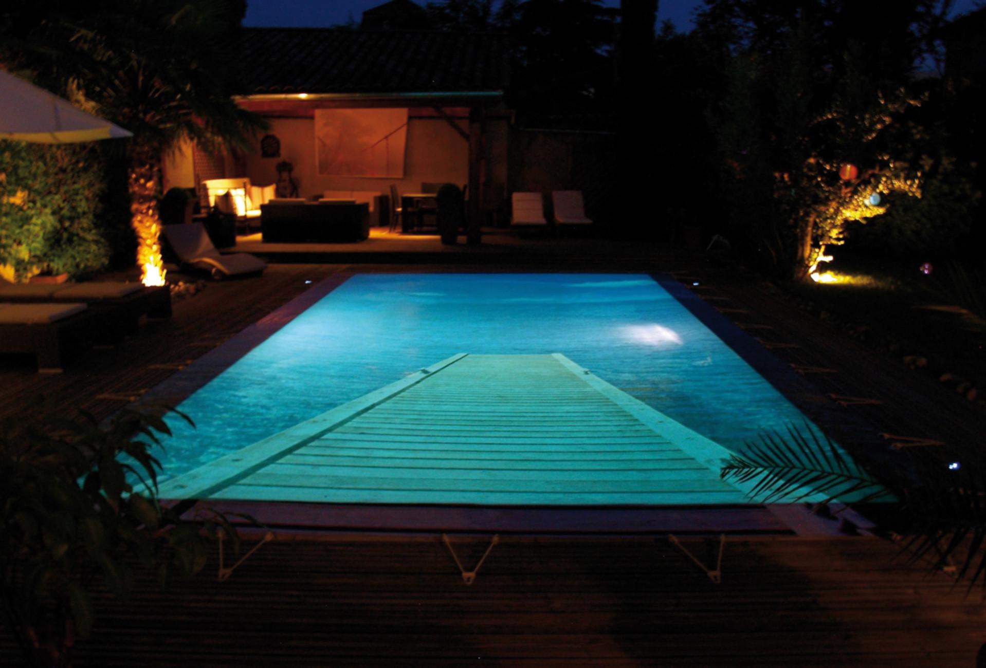 coperture invernali per piscine di design. Black Bedroom Furniture Sets. Home Design Ideas
