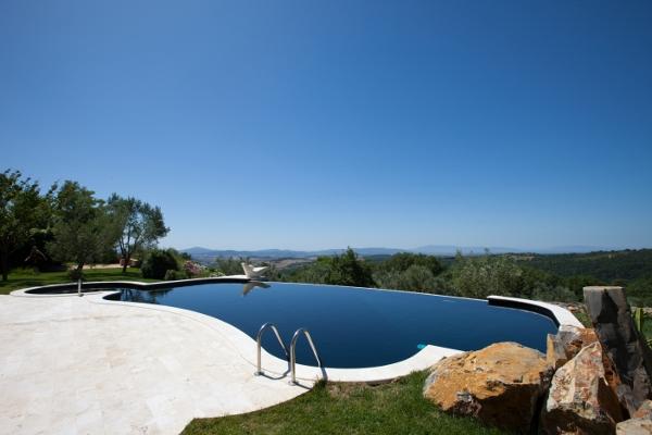 Come scegliere il colore giusto della vostra piscina for Castiglione piscine