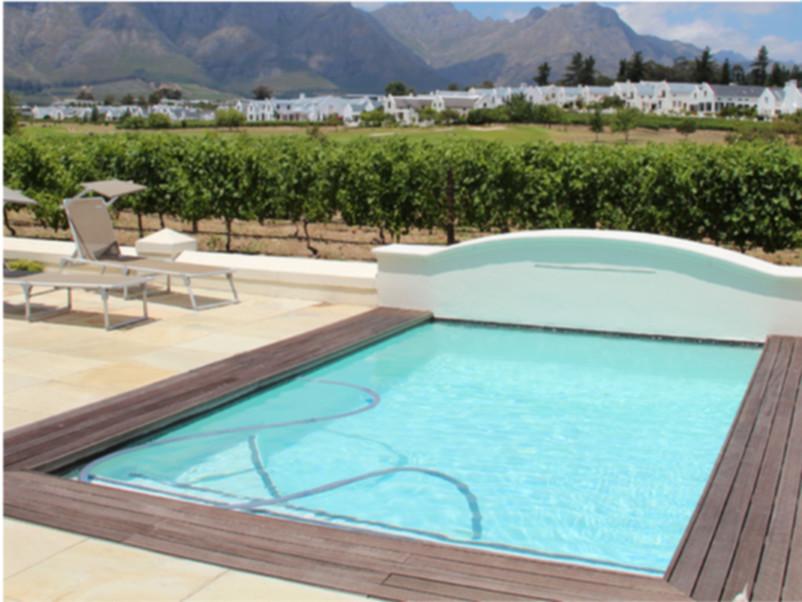 Sette piscine private da invidia for Piscine fuori terra piccole dimensioni