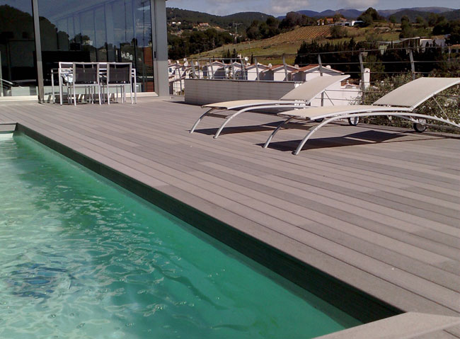 Bordi piscina in legno sintetico indeformabile e for Bordi in pvc