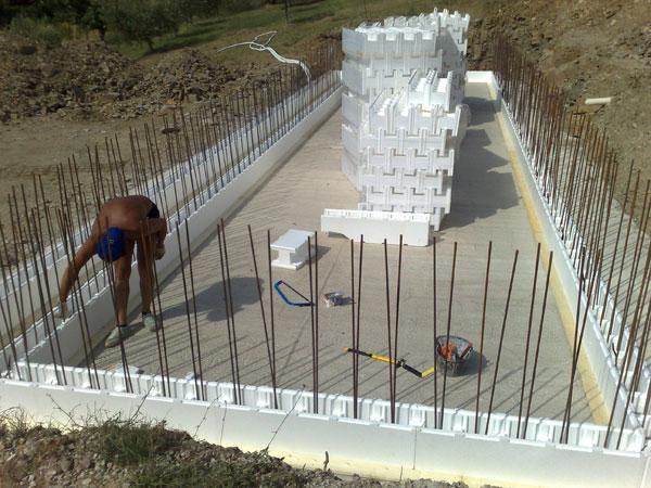 Gli innumerevoli vantaggi di una piscina in casseri for Como se hace una piscina de cemento