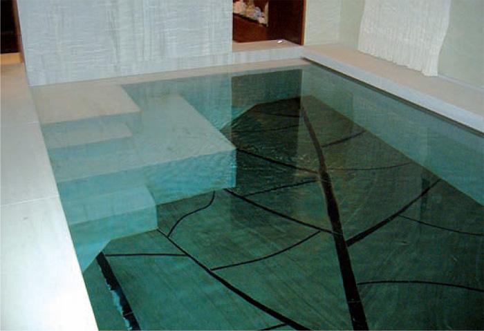 L eleganza della piscina in marmo guidapiscine