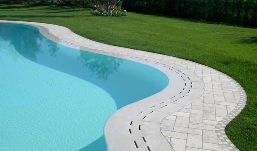 bordo_piscina_a_sfioro_con_griglia.jpg
