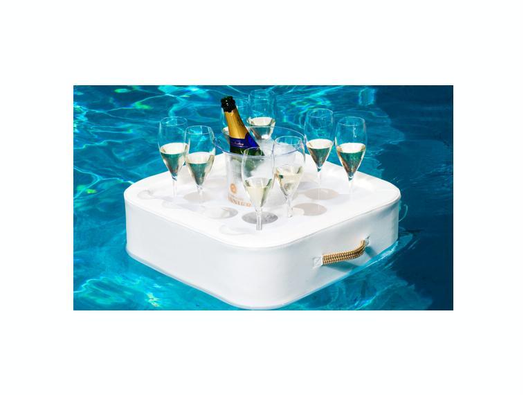 Tavolino Da Piscina.Tavolini E Ombrelloni In Acqua Comodita E Relax Prima Di