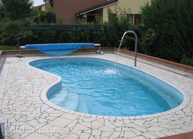 Immagini di astra piscine for Piscine in vetroresina
