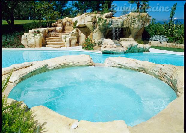 Immagini di medpools srl for Busatta piscine prezzi