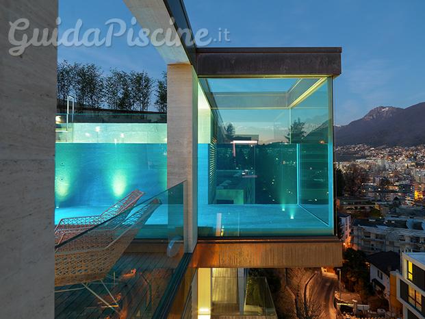 Underwater di carini oscar - Piscina in vetro ...