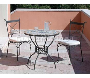 Tavolo e sedie in ferro battuto for Tavoli e sedie in ferro battuto da giardino prezzi