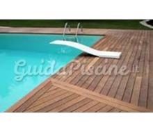 Pavimenti per piscina - Pavimenti bordo piscina in legno ...